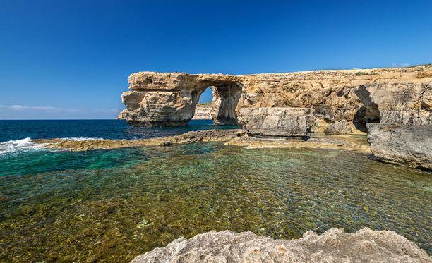 Gozon saari tarjoaa rauhaa ja kaunista luontoa. Kuvassa ollut kivikaari romahti myrskyssä alkuvuonna