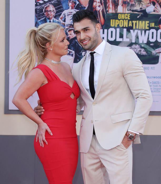 Britney Spears ja Sam Asghari ovat molemmat ahkeria treenaajia. Kuva on viime kesältä.