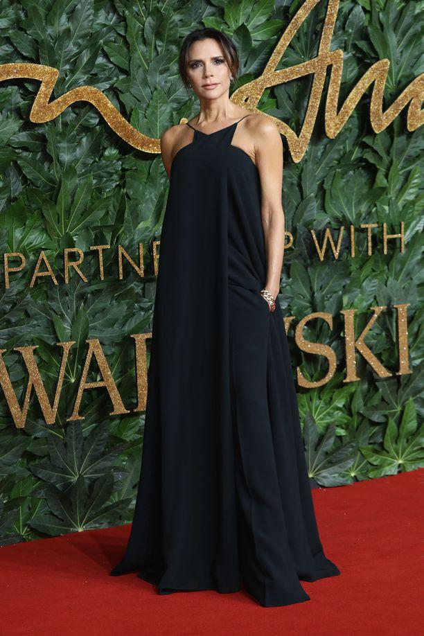 Victoria Beckham hankki silikonit vuosia sitten, mutta poistatti ne jo vuonna 2014.