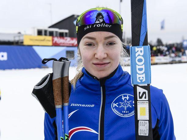 Anita Korva, yksi Suomen kovimmista hiihtolupauksista, nappasi viime talvena alle 20-vuotiaiden MM-kisoista pronssimitalin.
