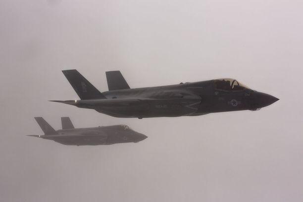 F-35 häivehävittäjiä voi käyttää häivepommittajien saattamiseen tai omiin pommitusoperaatioihinsa.