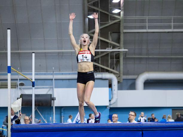 Jessica Kähärä loisti korkeushyppypaikalla.