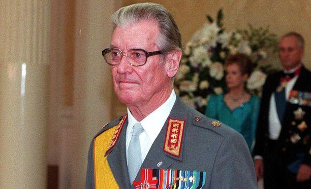 Jaakko Valtanen on tuttu näky Linnan juhlissa myös aiemmilta vuosilta.