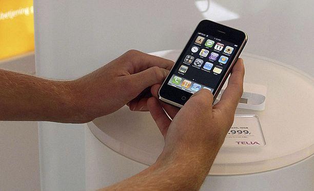 Iphone 3G:n esittelyä vuonna 2008. Kuvituskuva.