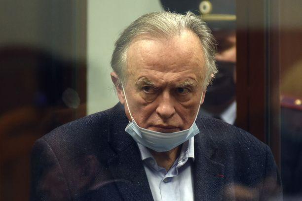 Historioitsija Oleg Sokolov kuvattu oikeudessa 14. lokakuuta. Hän on myöntänyt tapon.