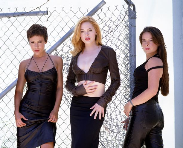 Alyssa Milano, Rose McGowan ja Holly Marie Combs tähdittivät Siskoni on noita -sarjaa vuoteen 2006 saakka.