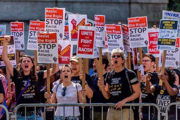 Rasismin, islamofobian ja Trumpin vastainen mielenosoitus New Yorkissa viime kesäkuussa.