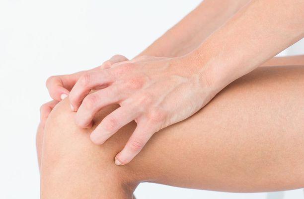 Tutkimuksen mukaan polven niverikkokipuihin auttaa akupuntio sekä tai chi -liikunta.