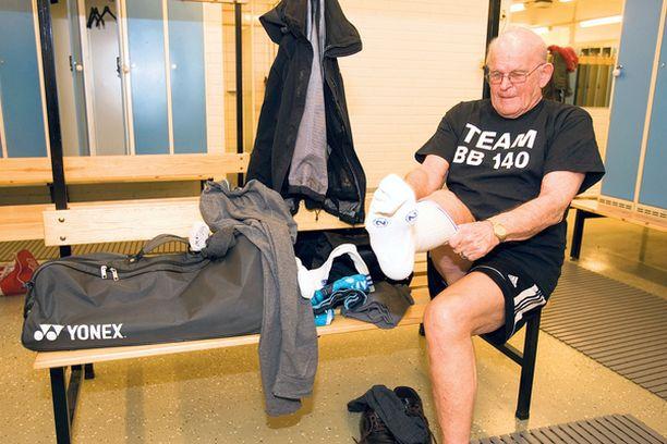Eero Blåfield käy treenaamassa sulkapalloa neljä kertaa viikossa.