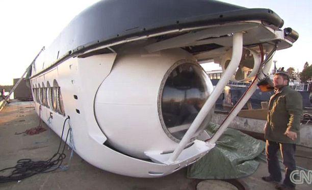 Peter Lindberg toivoo voivansa viedä vauraita turisteja katsomaan Itämeren anomaliaa pienoissukellusveneellä.
