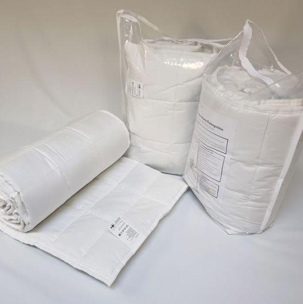 TT-painopeitto painaa 9 kiloa ja sen voi puolittaa vetoketjun avulla, jolloin peitteen voi pestä kotikoneella. Peitto Tikkiteam.com. Hinta 449,
