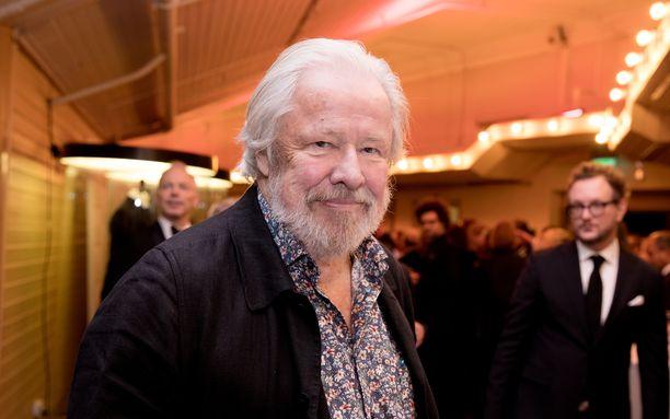 Sven Wollter muistetaan muun muassa elokuvista Komisario Beck tähtäimessä (1976) ja Mies Mallorcalta (1984).