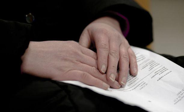 Visan mukaan pääosa verkossa rakkaudella huijatuista on 60-80-vuotiaita naisia.