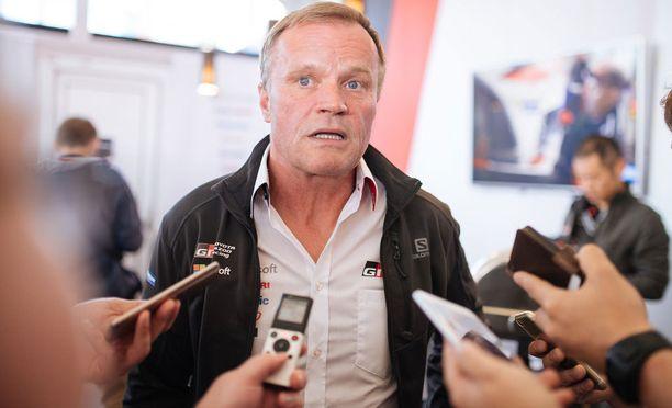 Tommi Mäkisen Toyota luottaa ensi kaudella Ott Tänakiin Juho Hännisen sijasta.