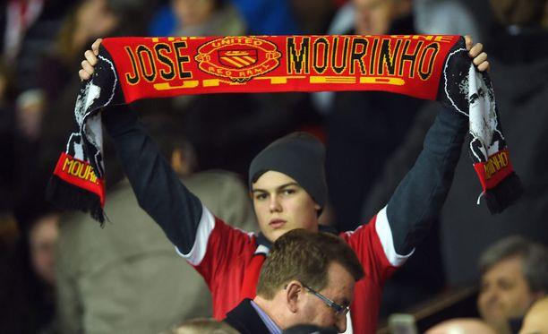 José Mourinho on matkalla Old Traffordille.