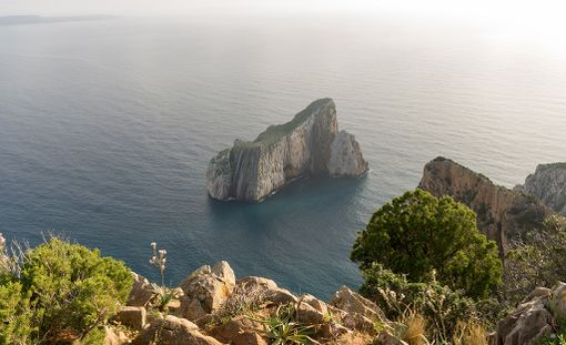 Sardinia tarjoaa etenkin luontoelämyksiä.