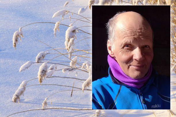 Raimo Korhonen hiihtää keväisin mielellään jäällä. Viime vuonna hänen hiihtolenkkinsä muuttui pelastusoperaatioksi.