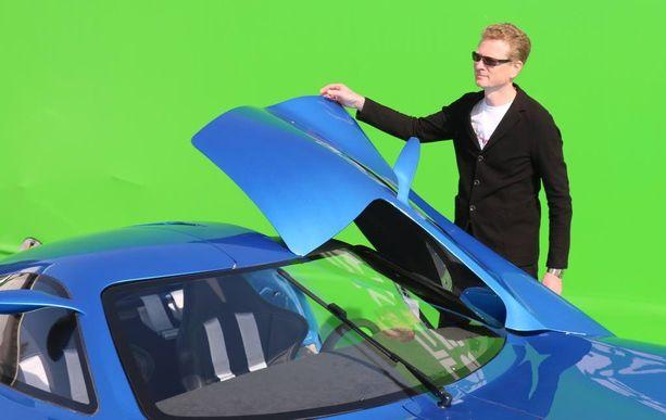 Auton kehittäjä Pasi Pennanen sai lauantaina Ormano-muotoilupalkinnon Toroidionista.