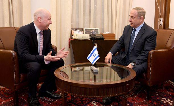 Greenblatt (vas.) tapasi Israelin johtoa maanantaina.