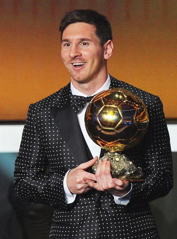 Vuoden 2013 gaalassa Messi nouti parhaan pelaajan palkinnon pilkullisissa vermeissä.