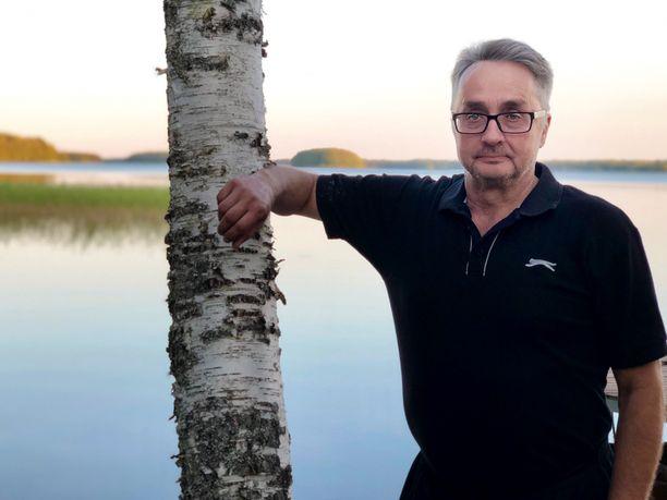 Hurjasta osumasta selvinnyt Timo Heimonen uskoo kypärän säästäneen monet vakavilta vammoilta.