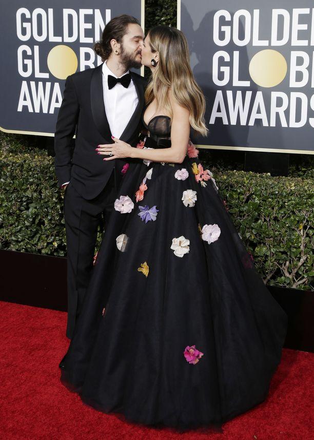 Huippumalli Heidi Klumin ja kihlattu Tom Kaulitzin intohimoinen kuhertelu Golden Globe -gaalassa herätti huomiota.