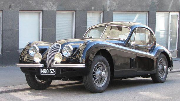 Tämä Jaguar xk120 vm. 1953 on yksi uuden Classic Car Show'n helmistä!