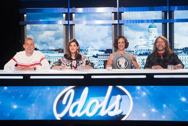 Kuvassa kaikki syksyn Idols-kauden uudet tuomarit.