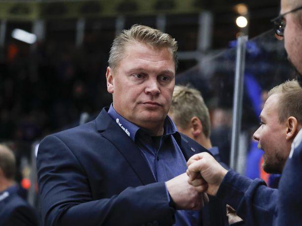 Pekka Virta heitti nyrkkivitosia keskiviikkona Tampereella, kun Lukko kaatoi Tapparan 4-3.