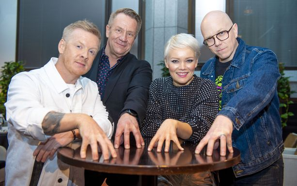 TVOF:in tähtivalmentajat Redrama, Olli Lindholm, Anna Puu ja Toni Wirtanen.
