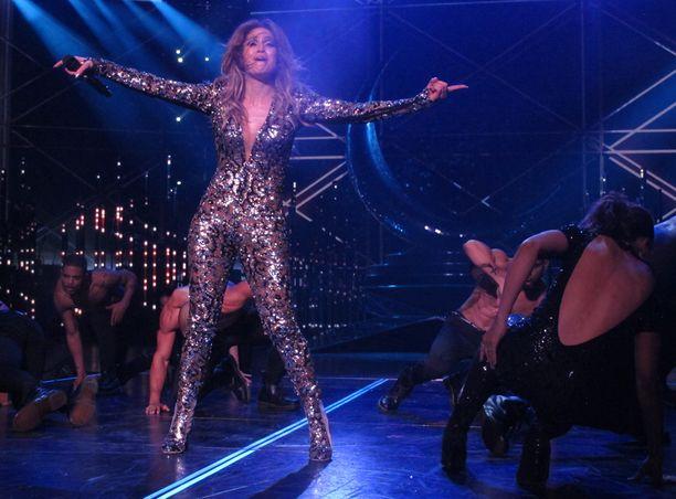 Jennifer Lopezin esiintyminen oli niin vauhdikasta, että asu repesi takapuolesta.