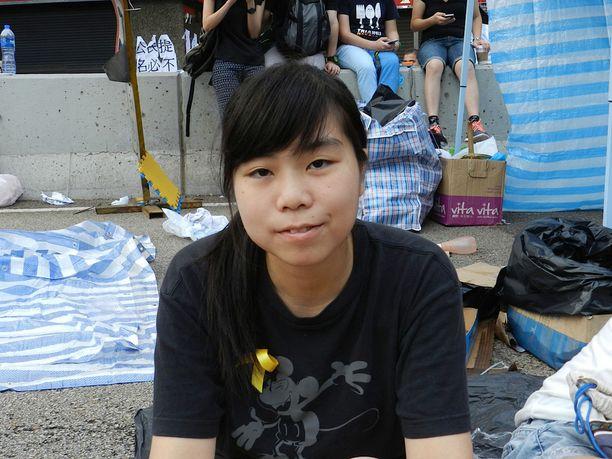 Kat on ottanut osaa mielenosoituksiin tiistaista lähtien. Hänen vanhempansa ymmärtävät opiskelijoiden päämääriä.