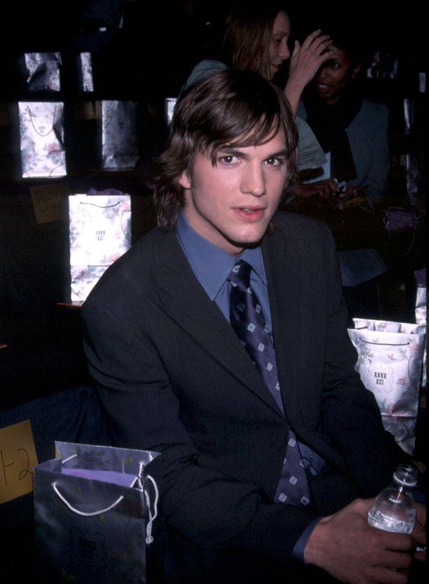 Tämä kuva otettiin Ashton Kutcherista otettiin vain muutama päivä ennen Ashley Ellerinin kuolemaa.