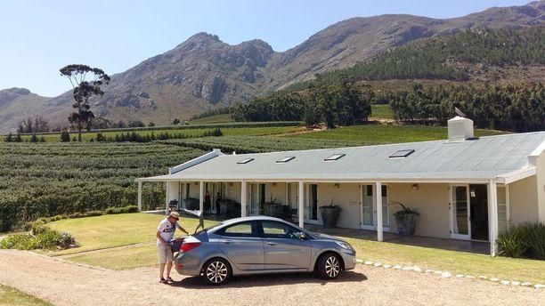 Etelä-Afrikka valmistelee valkoihoisten omistamien maatilojen pakkolunastusta ilman mitään korvauksia.