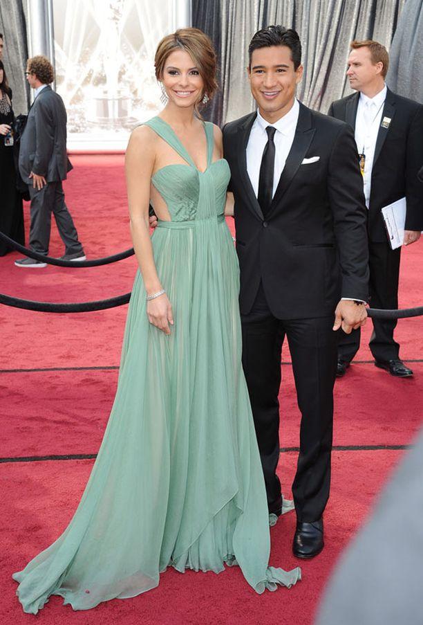 Tv-persoona Maria Menounos ja näyttelijä Mario Lopez.