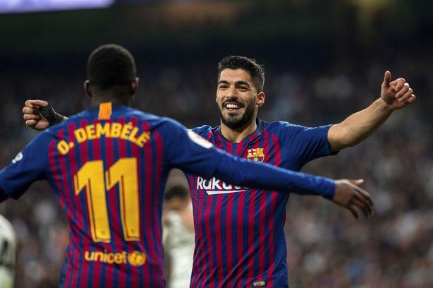 Ousmane Dembélé ja Luis Suárez olivat pitelemättömällä pelipäällä Barcelonan murskatessa Real Madrid.