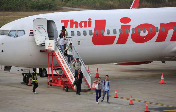 Lion Airin lentäjät selasivat ohjekirjaa koneen syöksyessä alas.