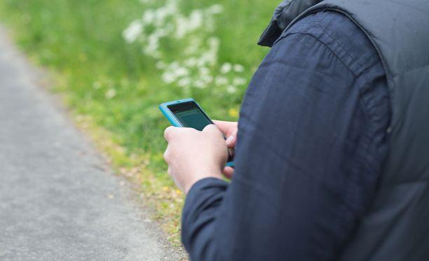 Älypuhelimeen ja muihin mobiililaitteisiin voi koukuttua.