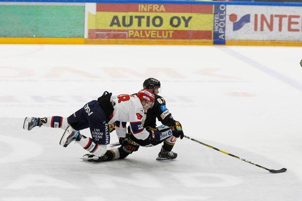 HIFK ei pysynyt Kärppien kyydissä, vaikka aina rajusti raatava Joonas Rask roikkui Jasper Lindstenin niskassa.