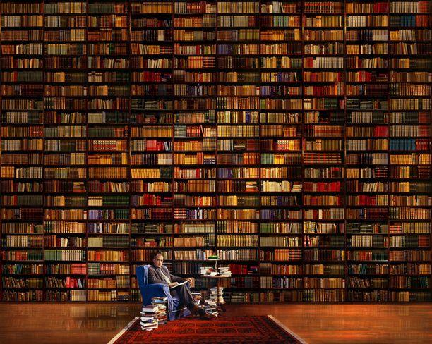 Jörn Donner kirjastossa on ehdolla mainoskuvavoittajaksi.