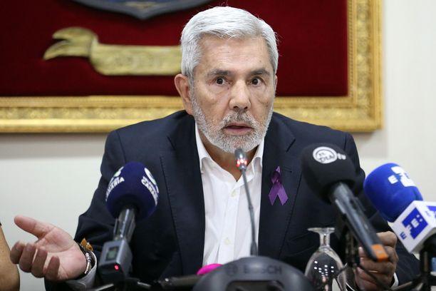 Miehen nykyisen kotikaupungin Adejen pormestari José Miguel Rodríguez Fragan mukaan ilman hengissä selvinnyttä poikaa tapaus ei olisi selvinnyt ehkä koskaan.