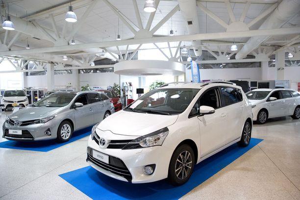 Liikenne- ja viestintäministeriö esittää, että auton ostamisen yhteydessä maksettavasta autoverosta luovuttaisiin.