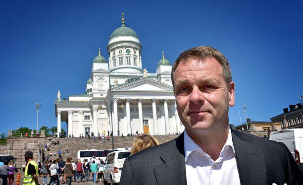 Helsingin pormestari Jan Vapaavuori muistutti puolueensa puheenjohtajalle Petteri Orpolle asuneensa puolet elämästään kehä ykkösen pohjoispuolella.