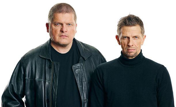 Jarkko Sipilä ja Pekka Lehtinen isännöivät ohjelmauutuutta.