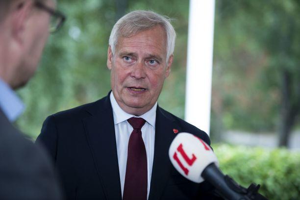 Perustuslakivaliokunnan puheenjohtaja toimii entinen pääministeri, kansanedustaja Antti Rinne (sd).