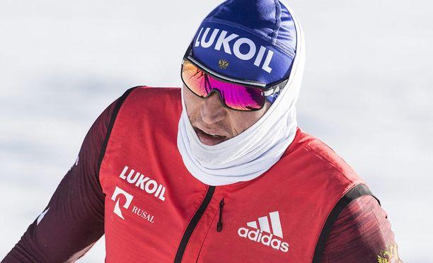 Olympiavoittonsa menettänyt Aleksandr Legkov saa kilpailla FIS:n alaisessa kilpailussa.