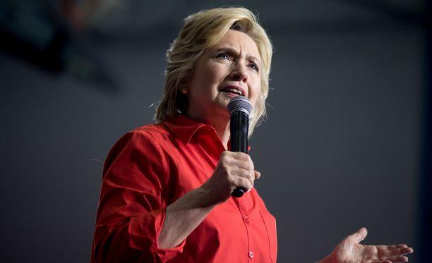 Jos ulkomaalaiset saisivat päättää, seuraava presidentti olisi Hillary Clinton.