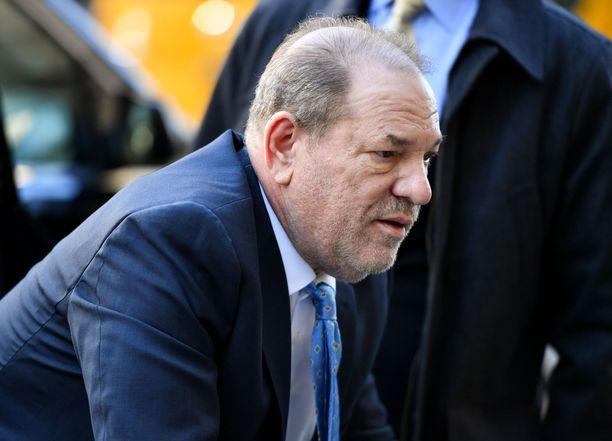 Langetettu vankilatuomio on ollut kova rasite Weinsteinin terveydelle.