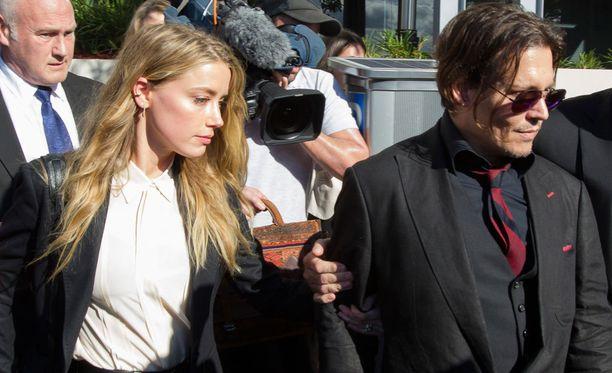 Amber Heard ja Johnny Depp ehtivät olla naimisissa vuoden.