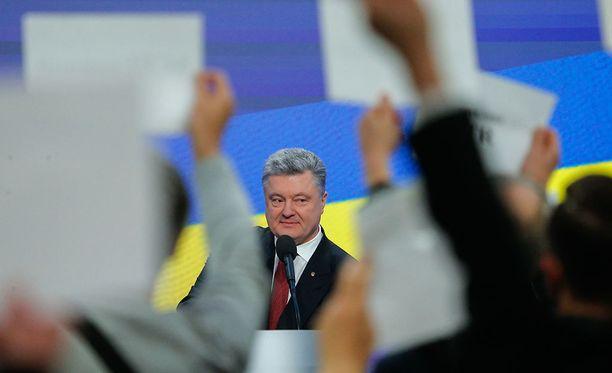 Ukrainan presidentti Petro Poroshenko kertoo olevansa täysin pöyristynyt Venäjän vaalikomitean väittämistä.
